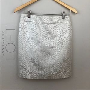 Loft Silver Metallic Pencil Mini Skirt Size 2P